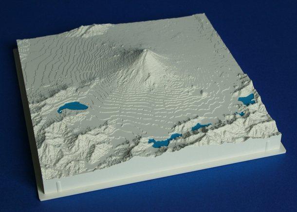 Mount Fuji - Fujiyama - reliëfmaquette op schaal 1:200.000 FUJIYAMA  Reliorama   Wandkaarten Japan